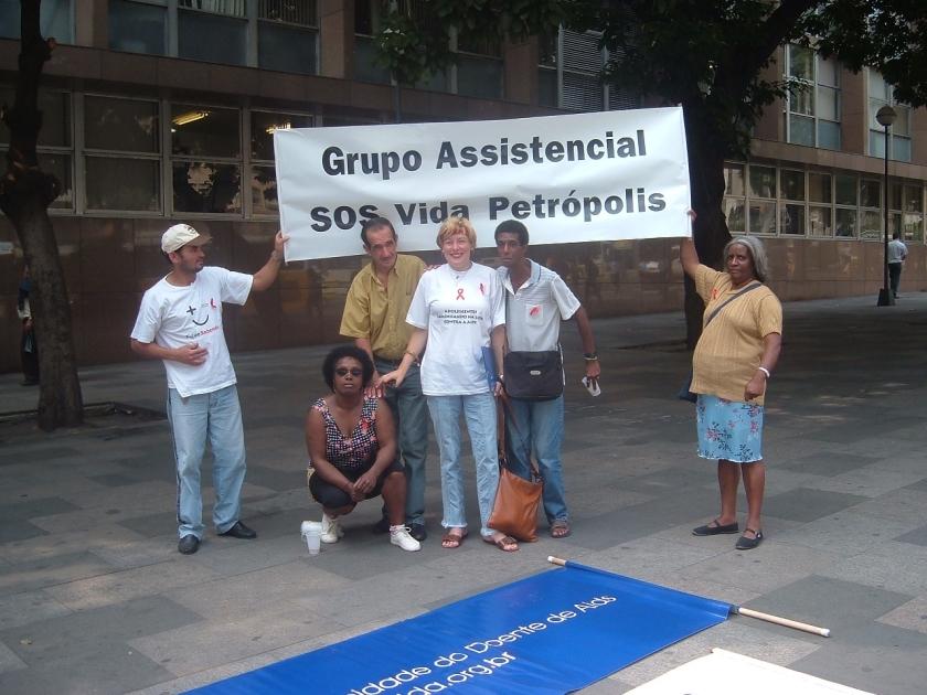 MANIFESTAÇÃO RIO EM DEFESA DOS PORTADORES(AS) DO HIV AIDS JUNTO COM O FORUM ESTADUAL DE ONG AIDS ADRIANA ETC