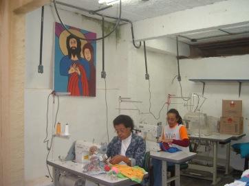 CONFECÇÃO -Voluntarias D.MARIA E EDNEIA